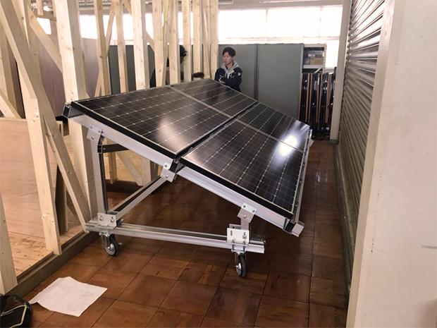 太陽光発電の模擬実習